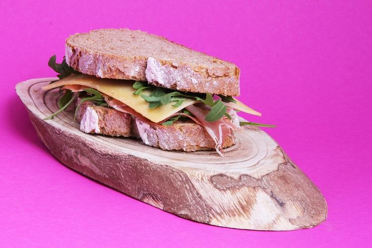 Belegd brood met Zeeuwse ham en kaas